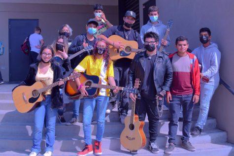 Guitar Club Rocks HHS