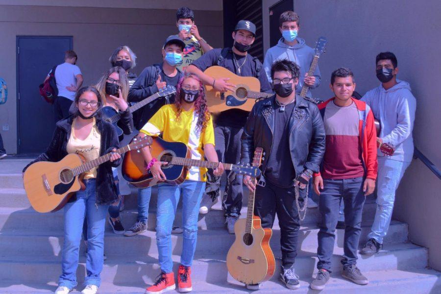 Guitar+Club+Rocks+HHS